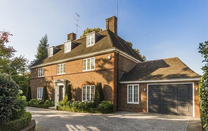 House for sale in Ingram Avenue, Hampstead Garden Suburb